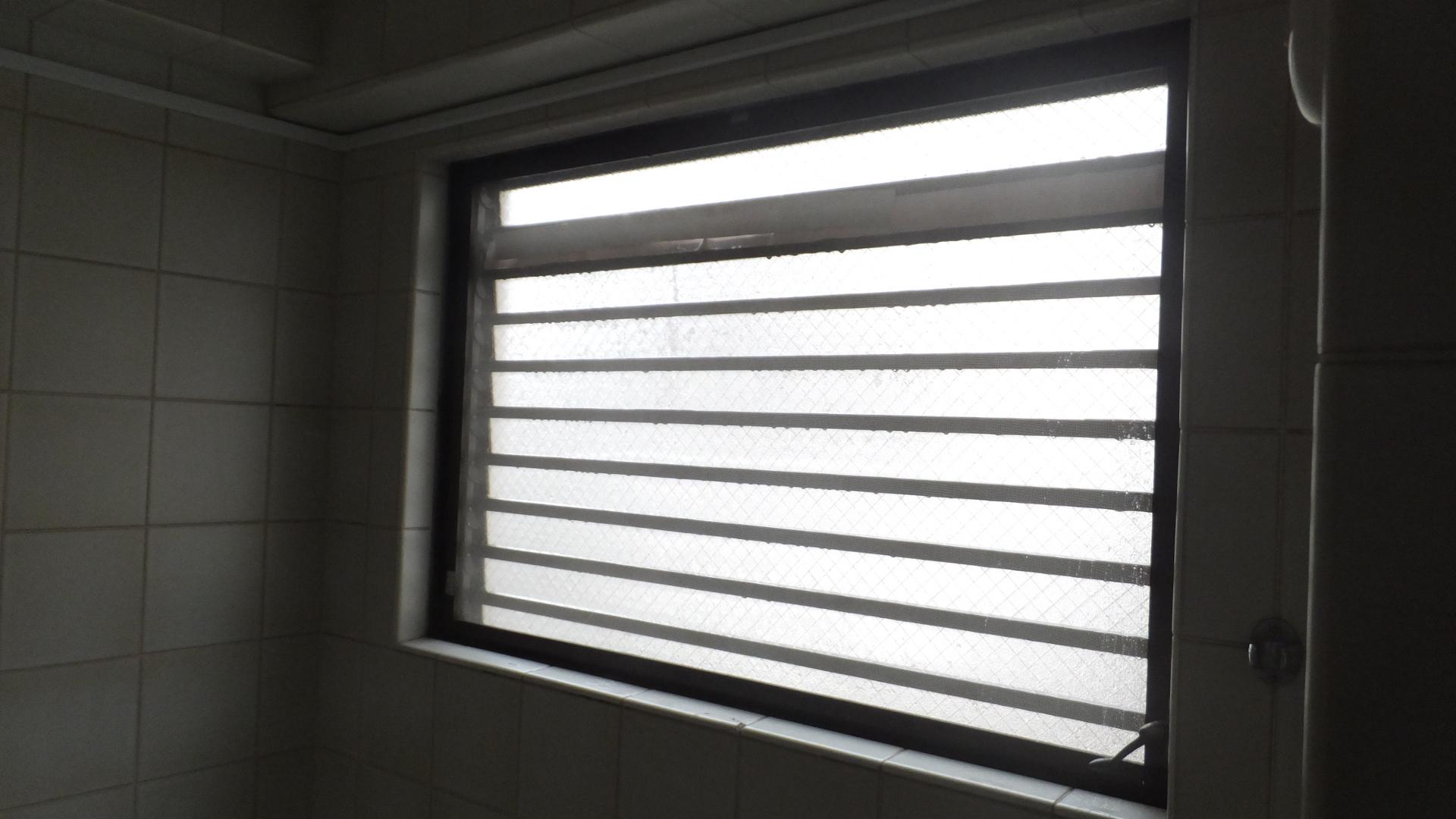 江戸川区 浴室 窓交換工事施工後