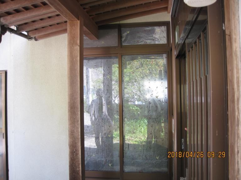 掃き出し窓を玄関引戸にリフォーム!施工後