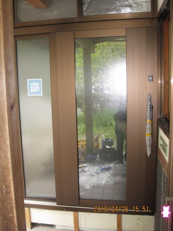 掃き出し窓を玄関引戸にリフォーム!施工前